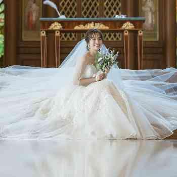 桂由美がメインの上質なドレス