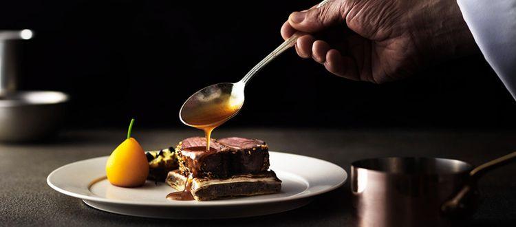 憧れレストランの料理を披露宴で提供できる