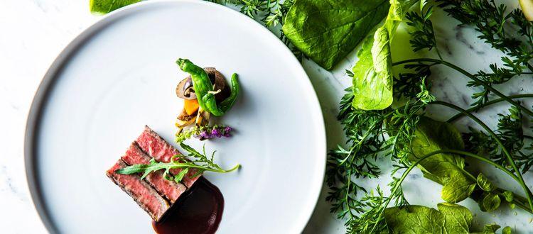 お箸で食べられる絶品のフルコースをオリジナルでご提供