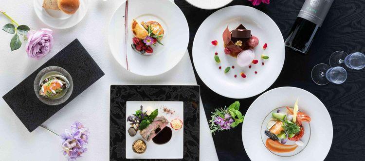 約5000坪の広大な敷地で開放感あふれる結婚式を