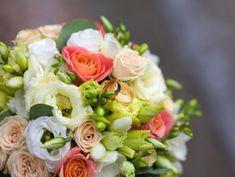 聖歌隊の美しい歌声が響き渡る
