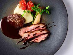 国産牛の肉料理は人気NO.1!