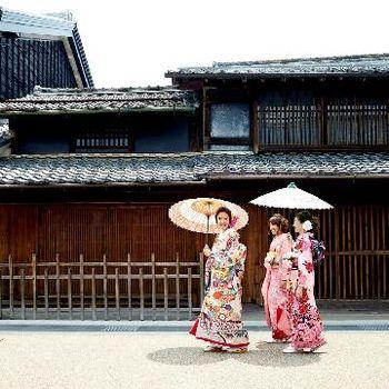 歴史情緒あふれる観光地に佇む邸宅