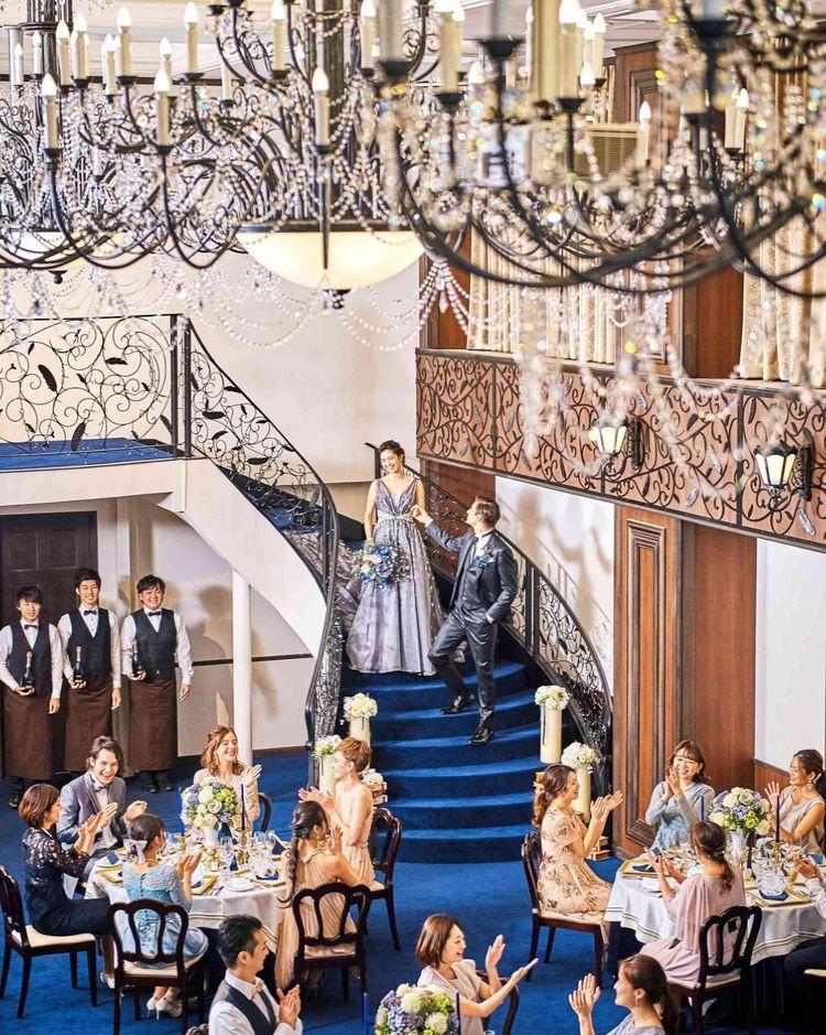 花嫁憧れの大階段からの入場シーンが叶う