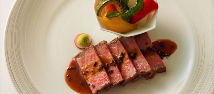 幅広い世代を魅了する2スタイルの美食