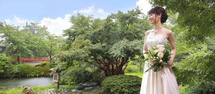 四季を彩る県北最大級の日本庭園が、当館の最大の魅力!