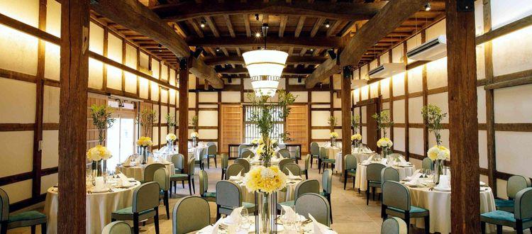 水郷佐原に元酒蔵をリノベートしたモダンな結婚式場が誕生