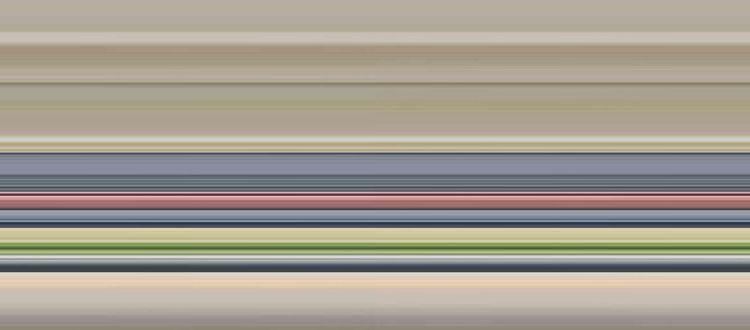 花嫁の姿を美しく引き立てる「ロイヤルブルー」のバージンロード
