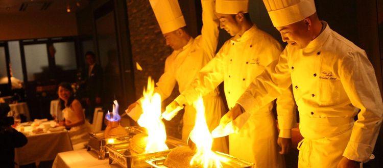 豊かな緑が囲む開放的な貸切ガーデンをおふたりらしい空間に