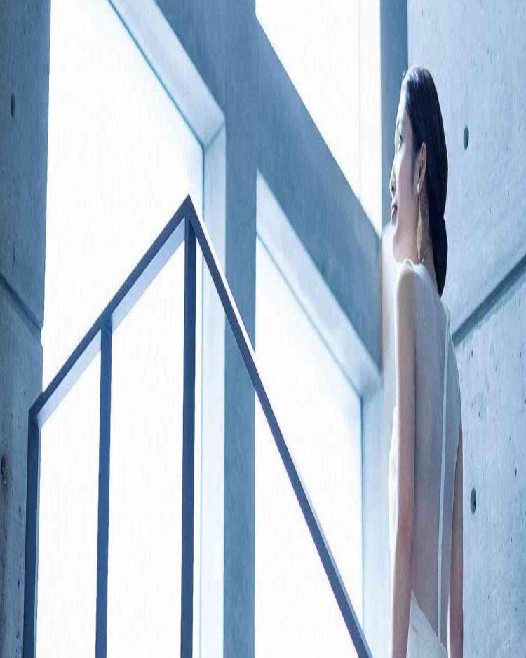 美しいコンクリートとガラス、自然が融合したデザイナーズハウス