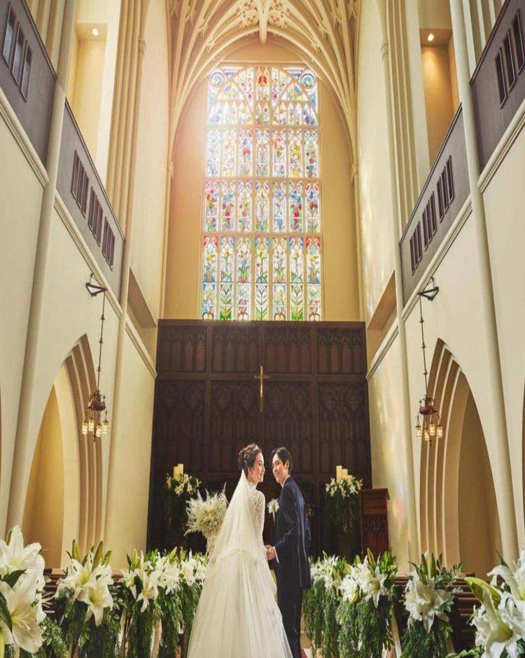 ドレス映え抜群の大聖堂ウェディング