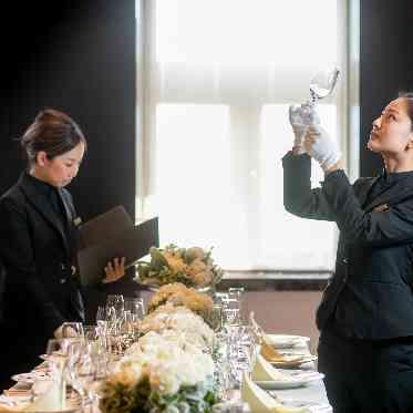 覚王山ル・アンジェ教会 お二人の大切な披露宴は、直前までプロがチェックしてゲストを招き入れる