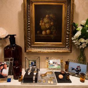 覚王山ル・アンジェ教会 会場の中にもご家族様との思い出やお二人の写真を飾っておもてなしを。