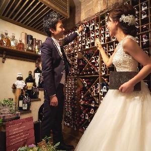 覚王山ル・アンジェ教会 ワインセラーでゲストへのお酒を選んでも