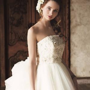 覚王山ル・アンジェ教会 クラシカルなドレスも素敵