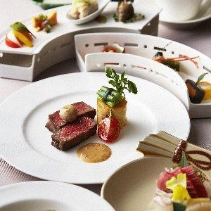 ホテルグランヒルズ静岡 年齢層問わず、すべてのゲストにご満足いただける和・洋・中折衷のクロスオーバー料理