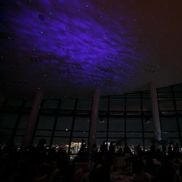 LUMIVEIL TOKYO(ルミヴェール東京) 【スターライトレーザー】東京の星空と一体となったようなロマンチックな雰囲気に