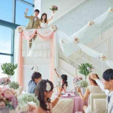 LUMIVEIL TOKYO(ルミヴェール東京) 【ブーケトス】天井が高いので、ブーケトスも成功すること間違いなし!