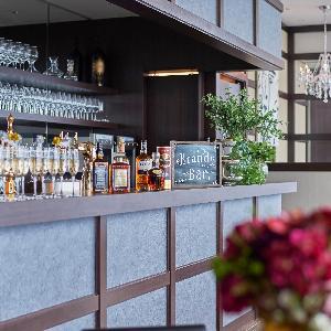LUMIVEIL TOKYO(ルミヴェール東京) バーカウンター付きでホテルのラウンジのように寛げる、上質な空間