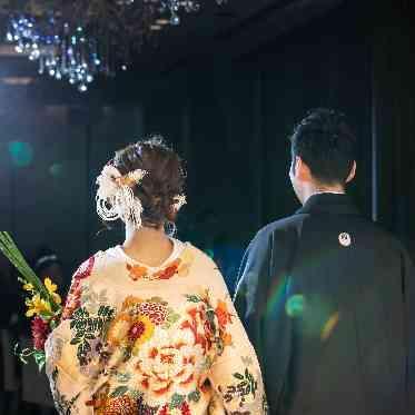 アヴァンセ リアン 大阪 白基調の会場なので、白無垢も和装も似合います