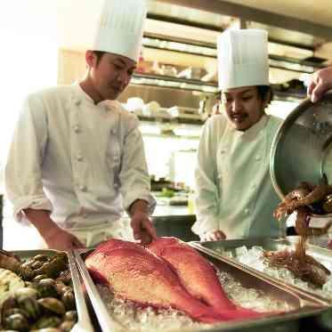 ラグナヴェール アトリエ 三浦半島で捕れた新鮮な魚介類を調理