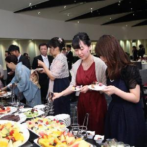 ベルヴィ武蔵野 【先輩カップルWedding】デザートブッフェでゲストをおもてなし♪