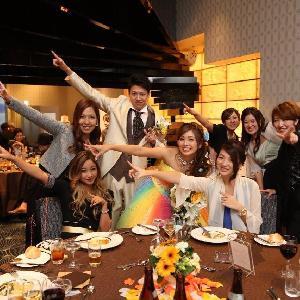 ベルヴィ武蔵野 【先輩カップルWedding】みんなで仲良くお揃いのポーズで記念撮影☆