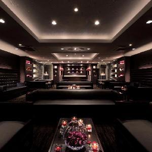 ベルヴィ武蔵野 披露宴会場【ニューヨークギャラリー】をご利用いただくご両家様のゲスト専用ラウンジ