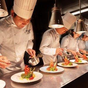 アルモニーアッシュ 会場のすぐ横で作るお料理はシェフのこだわり!出来たてを召し上がれ!