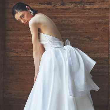 アルモニーアッシュ 花嫁を美しく魅せてくれるドレス
