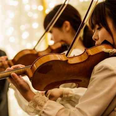 アーカンジェル迎賓館 宇都宮 挙式中は生演奏が流れる