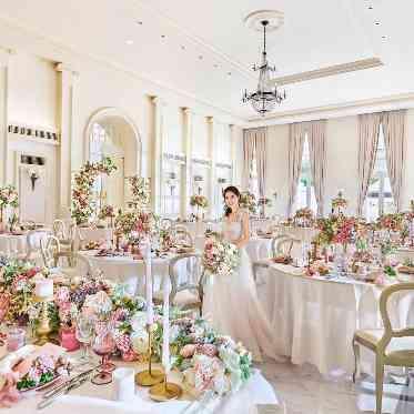 アーカンジェル迎賓館 宇都宮 かわいらしい装飾も映えるオフホワイトの会場