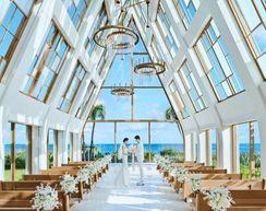 ギノザリゾート 美らの教会の画像1