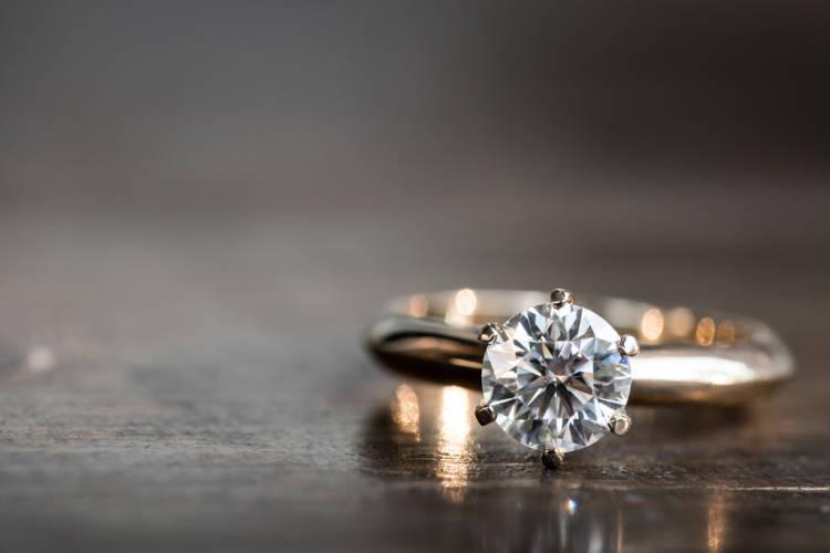 婚約指輪,カラット