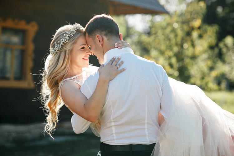 結婚式 髪色 新郎新婦