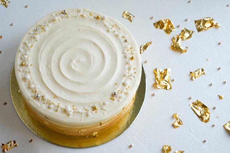 金箔ケーキ おしゃれ シンプル