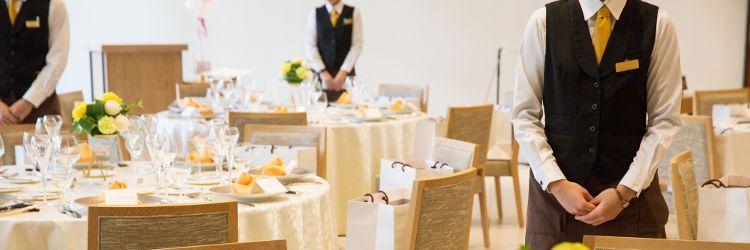 結婚式場 スタッフ
