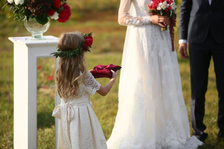 結婚式 リングガール 子供