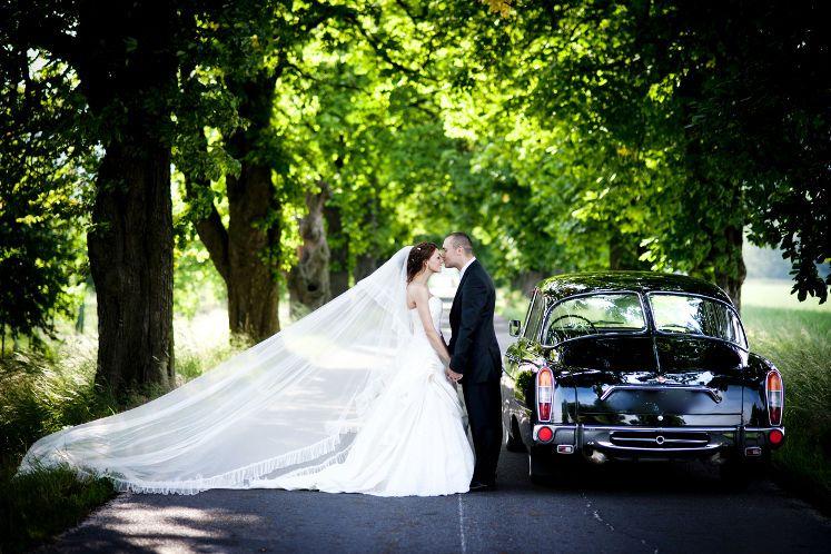 結婚式のお金はどのくらい必要?費用に関する不安を解消しよう!