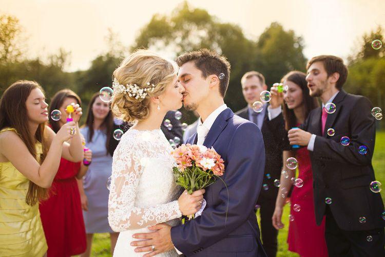 50人の結婚式を絶対に成功させるための全知識!