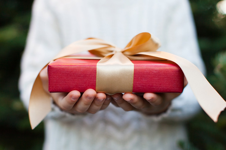 結婚内祝いにおすすめの品物&マナーを徹底解説!不要なケースもある