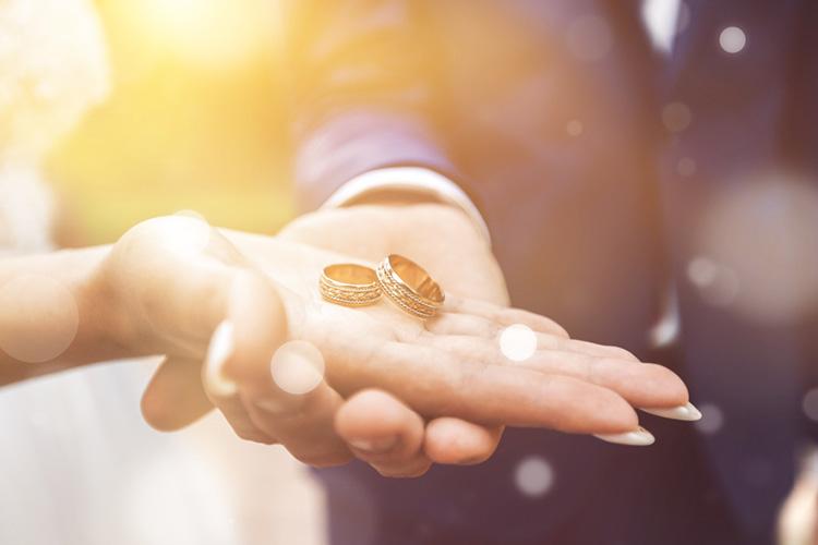 結婚指輪 手元