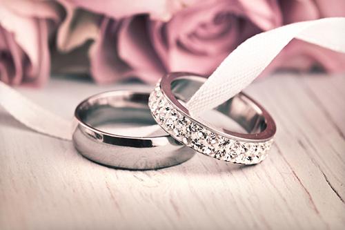 結婚指輪 バラ