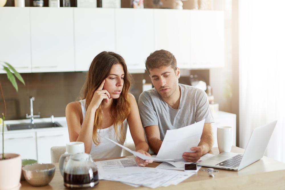自分たちの結婚式費用を知る!人数・希望別見積り例と費用を抑える5つのコツ