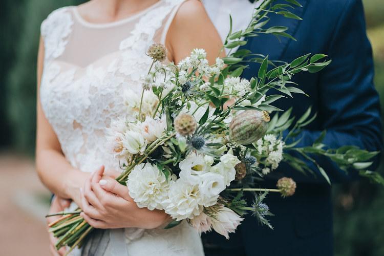 新型コロナで結婚式を延期・キャンセルしたリアルな声を紹介&準備期間延長で始めた事を調査