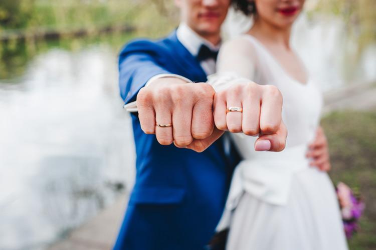 結婚指輪 フォト 新郎新婦 幸せ