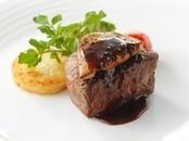 【料理重視の方へ】 シェフ自慢☆牛フィレ肉コース試食会×チャペル入場体験