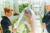 【家族での結婚式をお考えのおふたりへ】フロア貸切×充実設備×もてなす料理体験